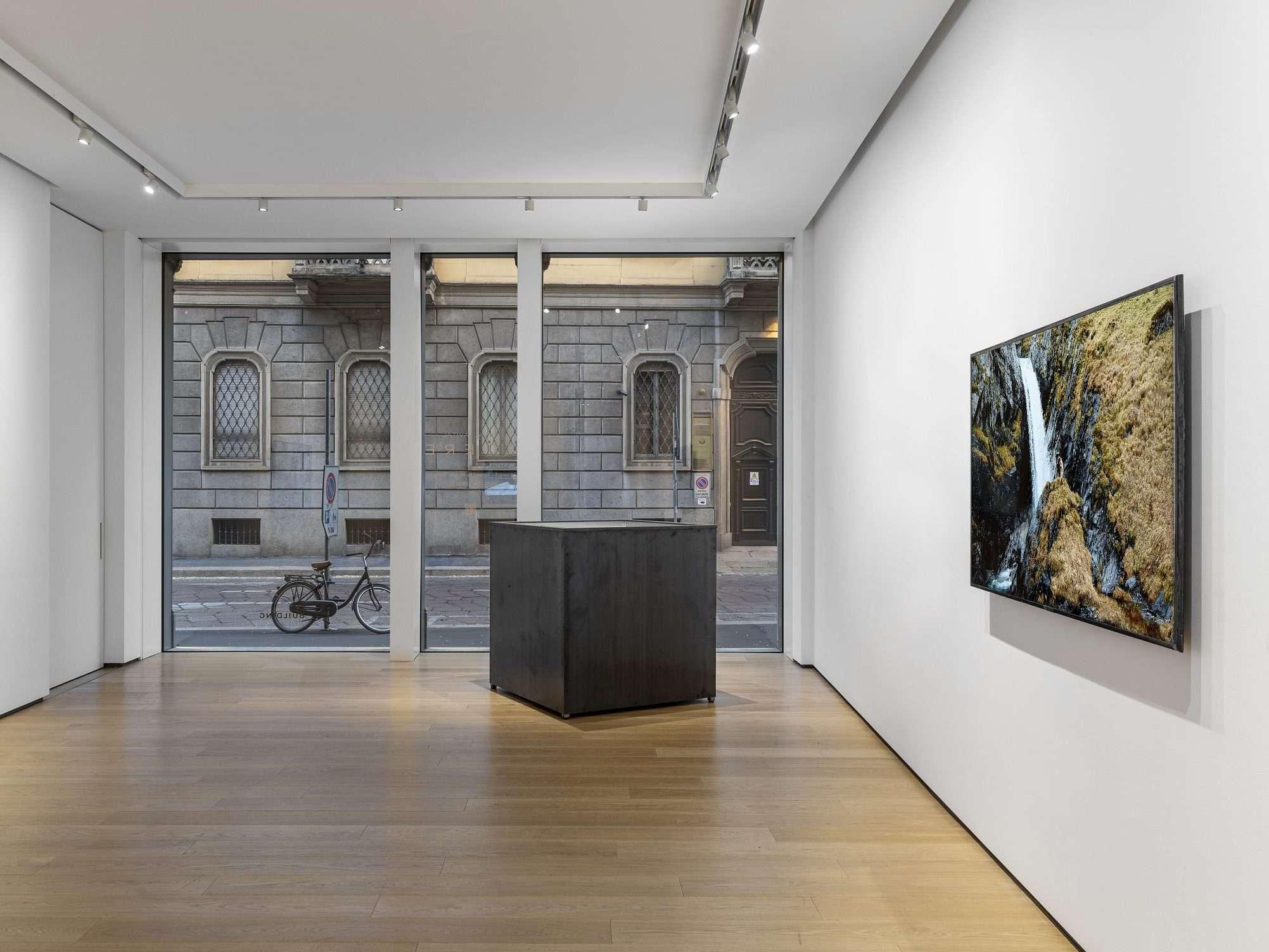 3_BUILDING – Installation view – Yuval Avital. E T E R E – 08.04.2021 – 26.06.2021, ph. Leonadro Morfini, courtesy BUILDING